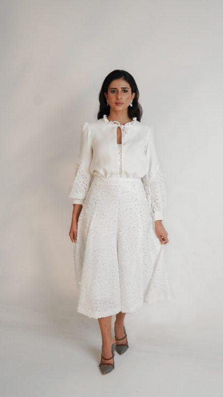 white Gardinia